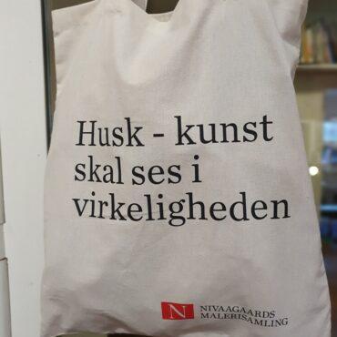 (Dansk) Mulepose: Husk – kunst skal ses i virkeligheden
